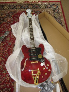 Epiphone Riviera P-93 Unboxing