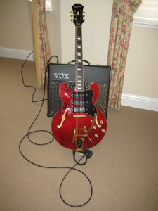Epiphone Riviera P-93 and VOX VT-30
