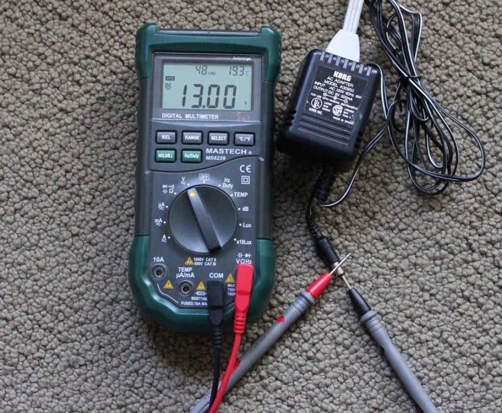 Measuring Korg 9V power supply